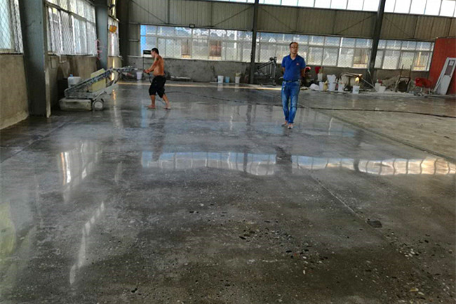 鑫自强修理厂混凝土装甲地坪施工