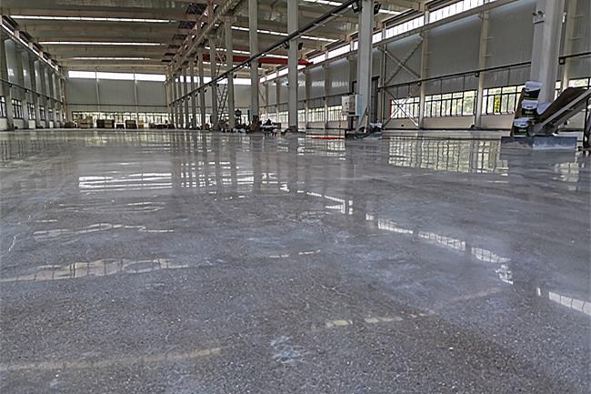 飞龙擦车片——新建车间新水泥地面硬化